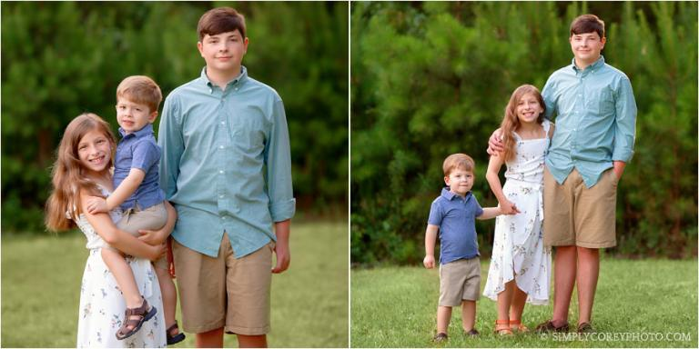 Bremen family photographer, three siblings outside