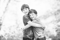 brothers hugging by Atlanta children photographer