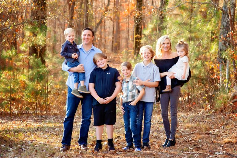 family photographer near Carrollton, Georgia, fall portrait with a big family