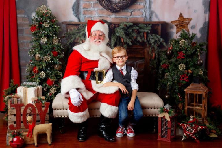 Santa Claus mini sessions Atlanta, child photography