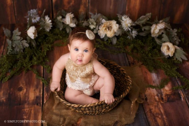Atlanta baby photographer, sitter session in studio