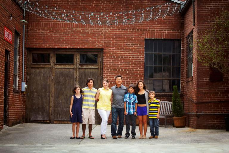 Marietta family photographer, large family on Marietta Square