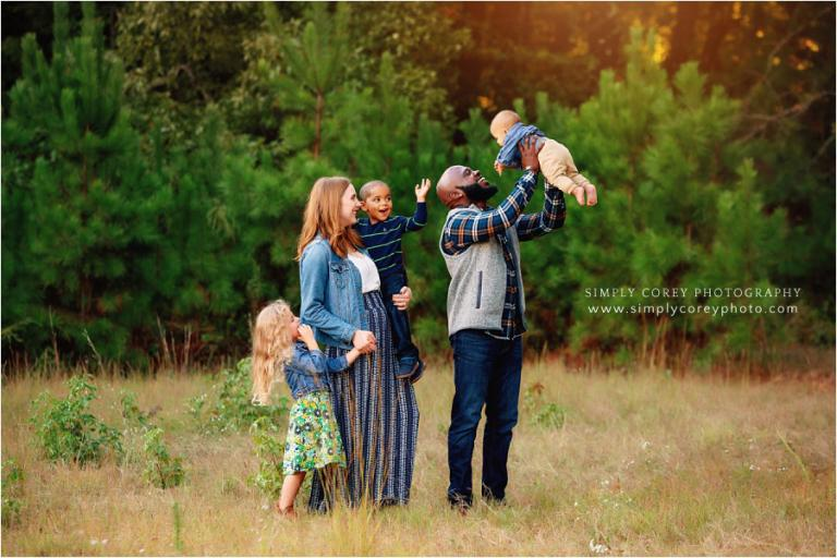 Atlanta family photographer, parents playing with kids during fall mini session