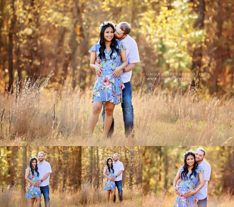 Bremen maternity photographer, couple hugging in field