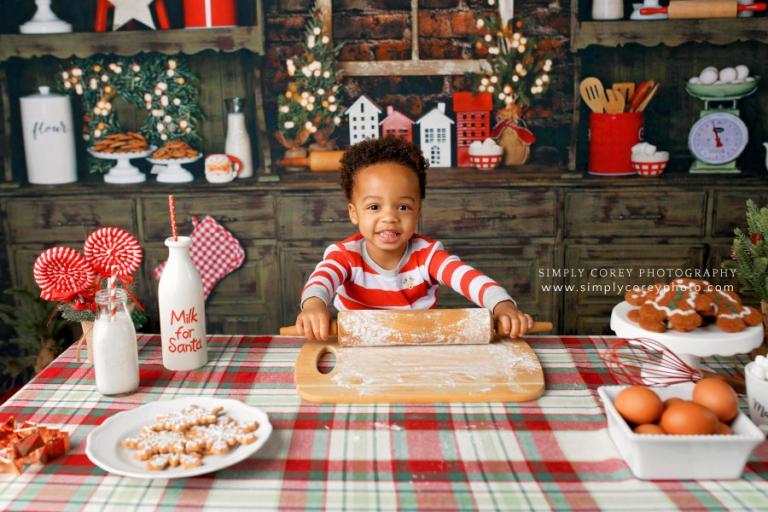 Atlanta mini session photographer, Christmas kitchen minis